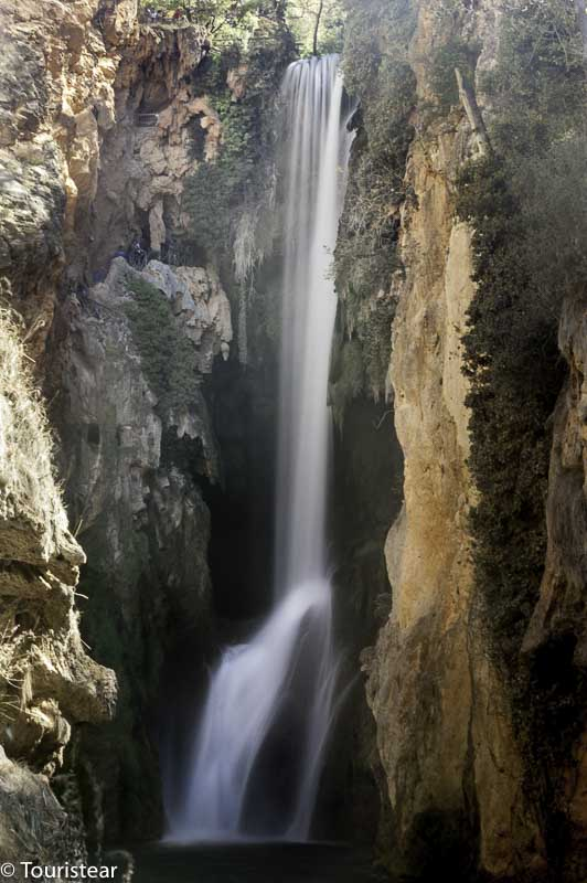 monasterio de piedra, cascada cola de caballo