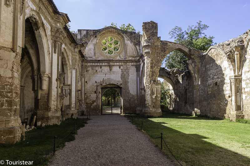 monasterio de piedra ruinas
