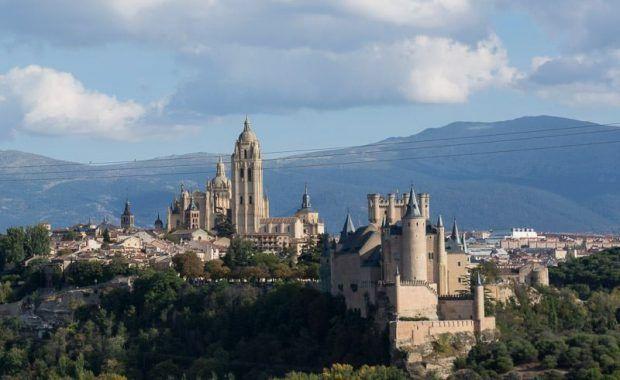 Segovia en un dia - vista del alcazar