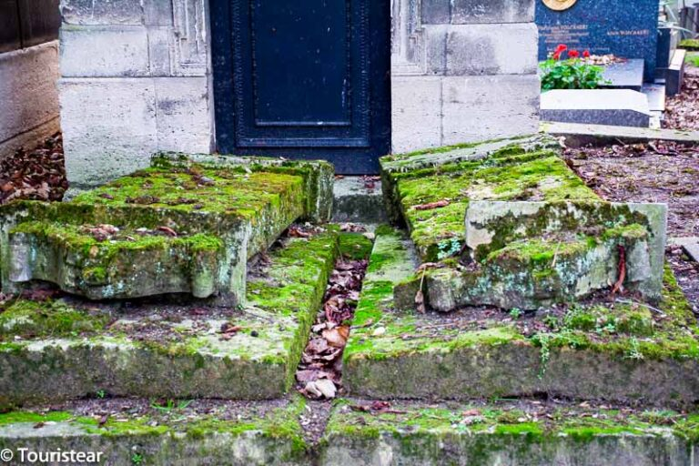 A visit to Pere Lachaise Cemetery in Paris
