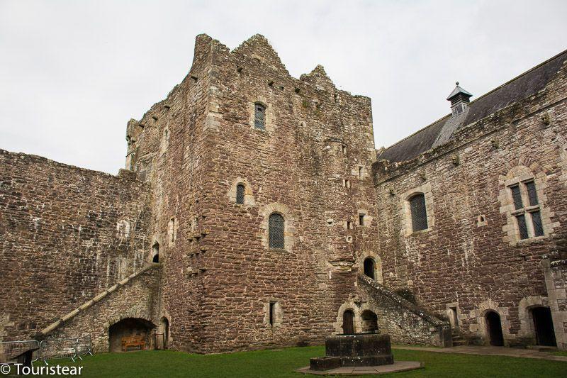 castle-leoch-doune-castle-Outlander