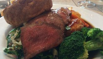Comer en Deeson's Restaurant en Canterbury