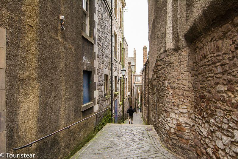 close, Edinburgh, Scotland