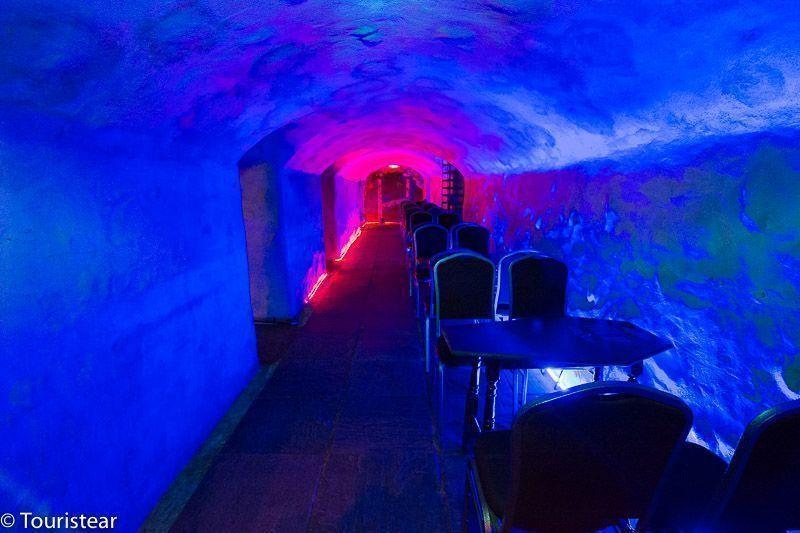 Edinburgh, pub-labyrinth