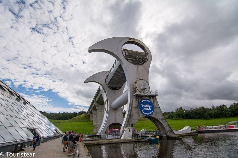 Falkirk wheel. El ascensor de barcos.