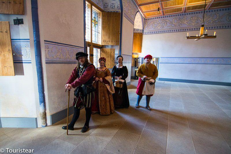 Personajes de época en el castillo de Stirling, Escocia