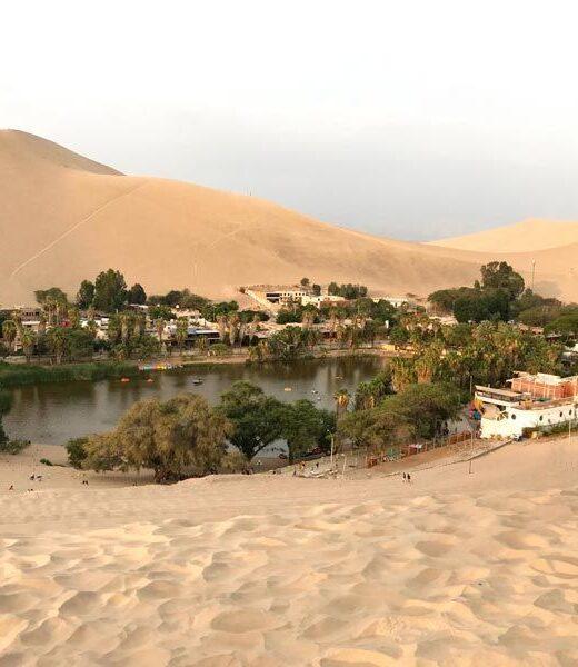 oasis huacachina, peru