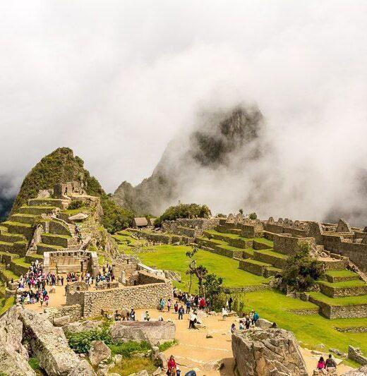 Machu Picchu con sol, peru