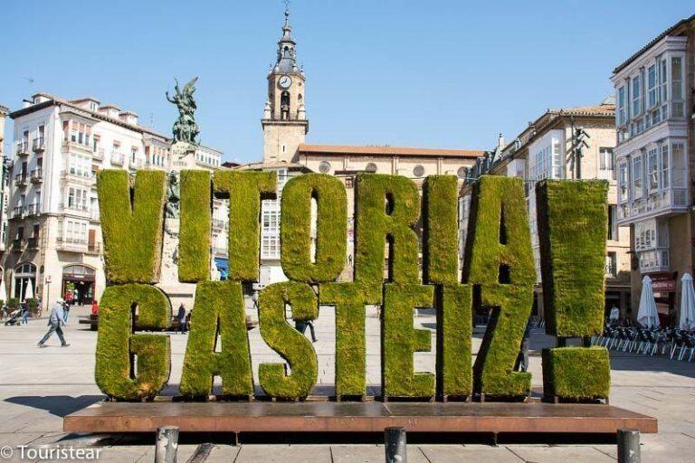 ¿Qué ver en Vitoria – Gasteiz en 1 día? Murales, monumentos y cultura