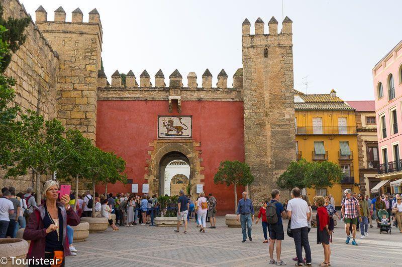 Sevilla, entrada al Alcazar