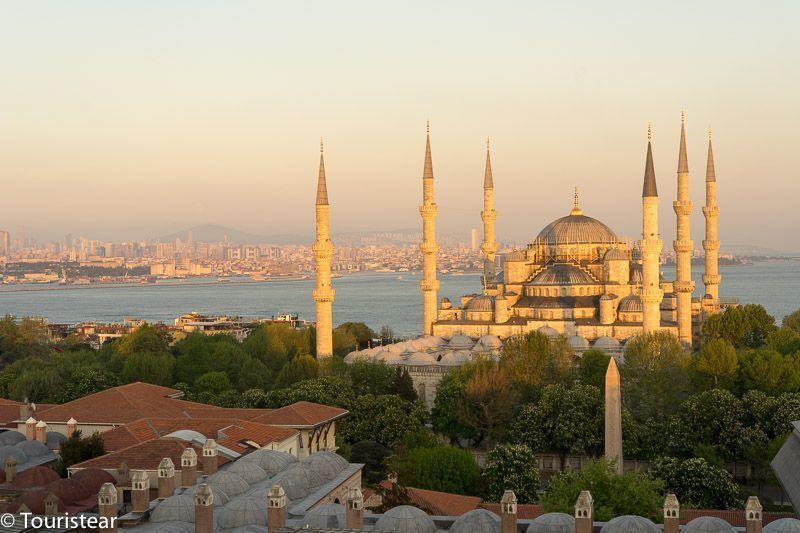 Turquia, estambul, atardecer con la mezquita azul