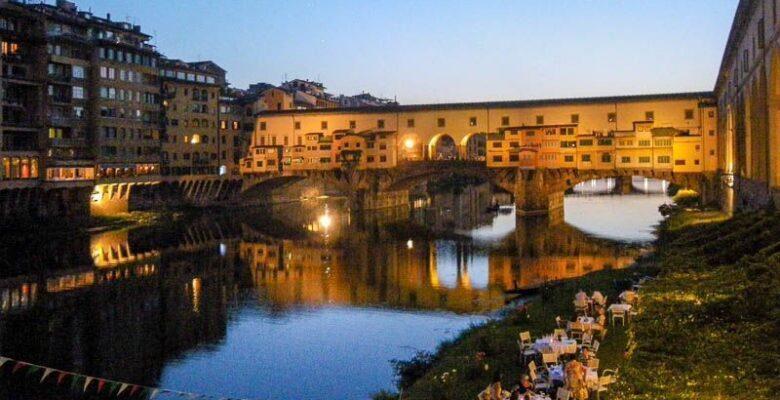 Florence, ponte vecchio at sunset
