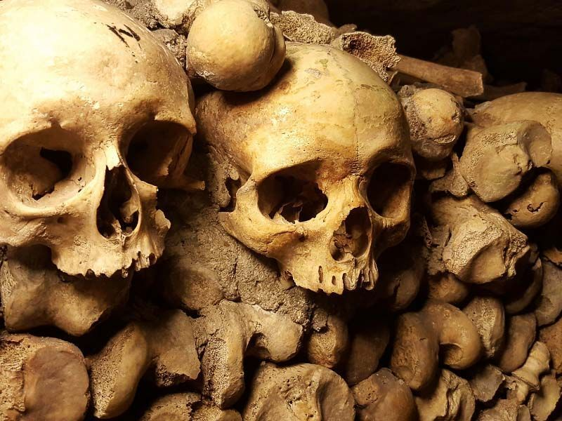 catacombs of Paris, to see in Paris when it rains
