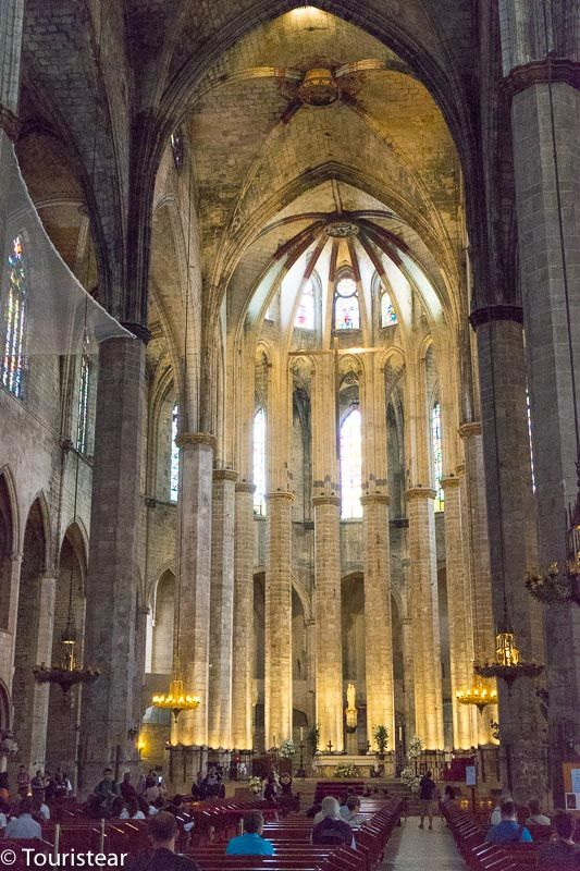 un fin de semana en barcelona, interior iglesia del mar
