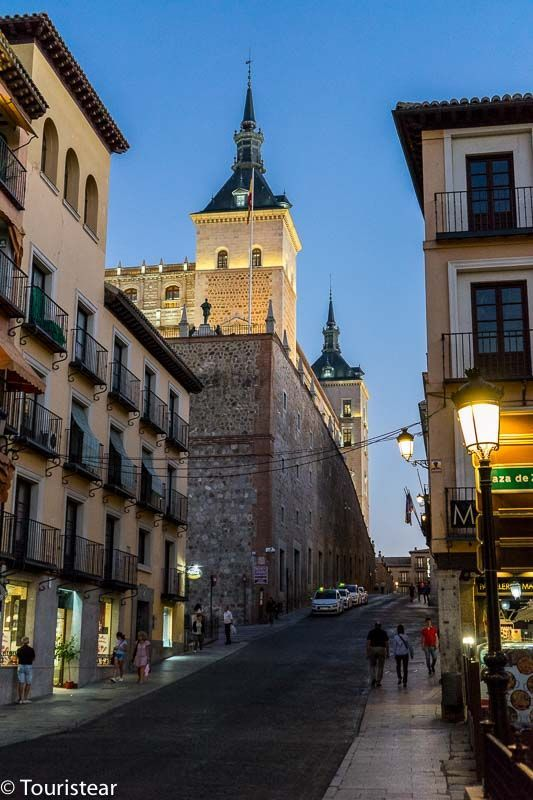 Toledo in 2 days, on the way to the Acazar from the Square of Zocodover