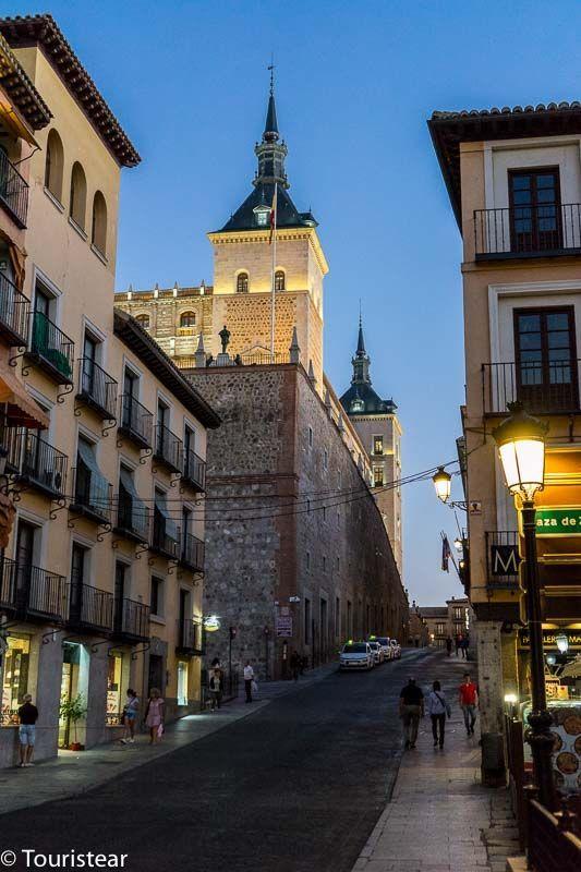 Toledo en 2 días, camino al alcazar desde la plaza de Zocodover