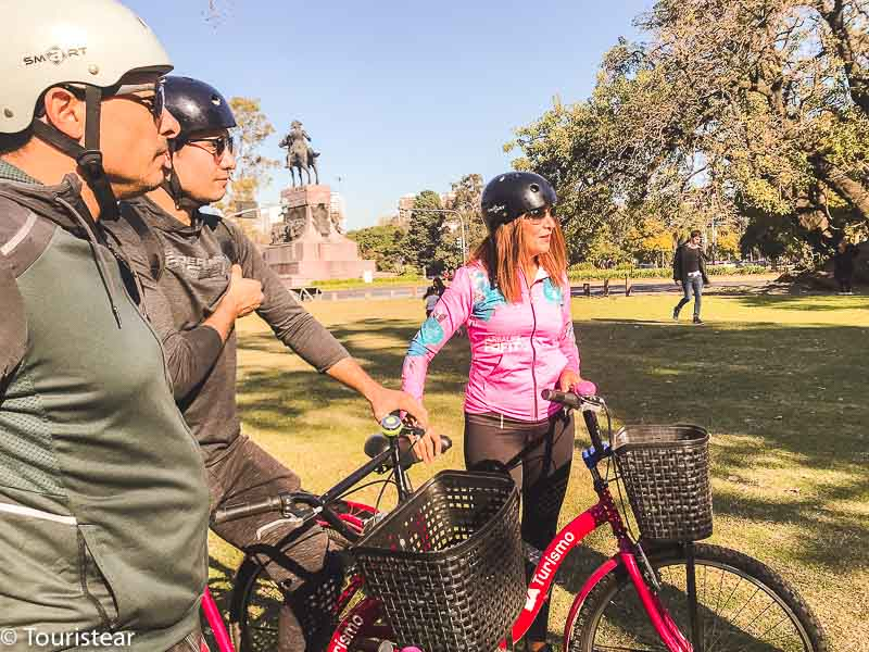 Bike tour in Recoleta, guided tours in Buenos Aires