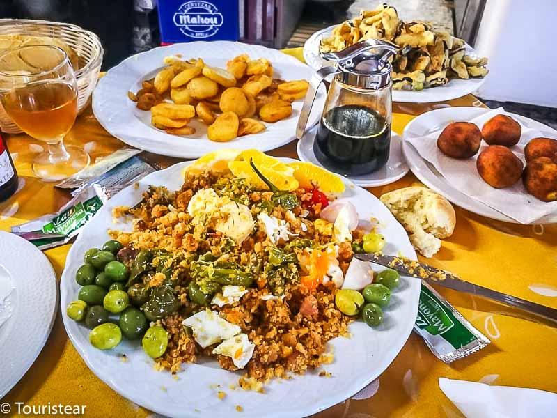 comer en malaga, comer en las ventas de los montes de málaga