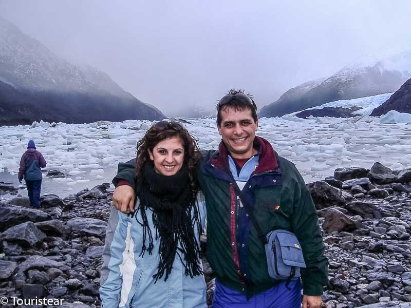 Fer y Vero en Bahia Onelly, Patagonia, Argentina