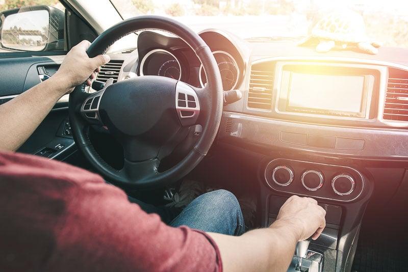 conducir un coche de alquiler