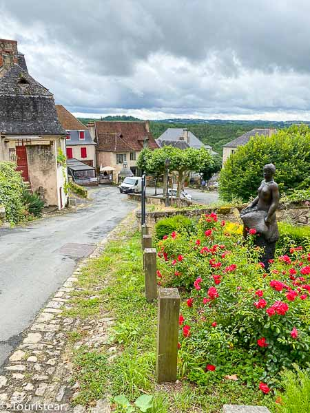 van route through the Dordogne - Perigord