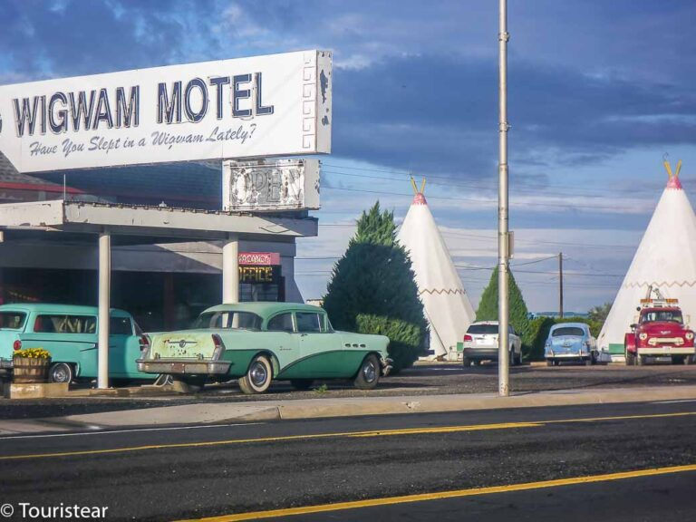 How to Book Hotels & Motels on Route 66