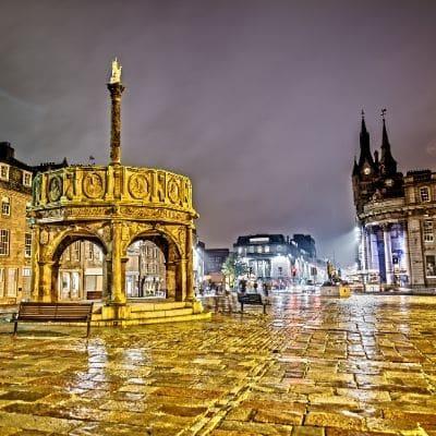 Plaza de Aberdeen al anochecer
